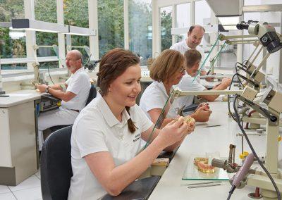 Zahntechnik im Labor in Straubing